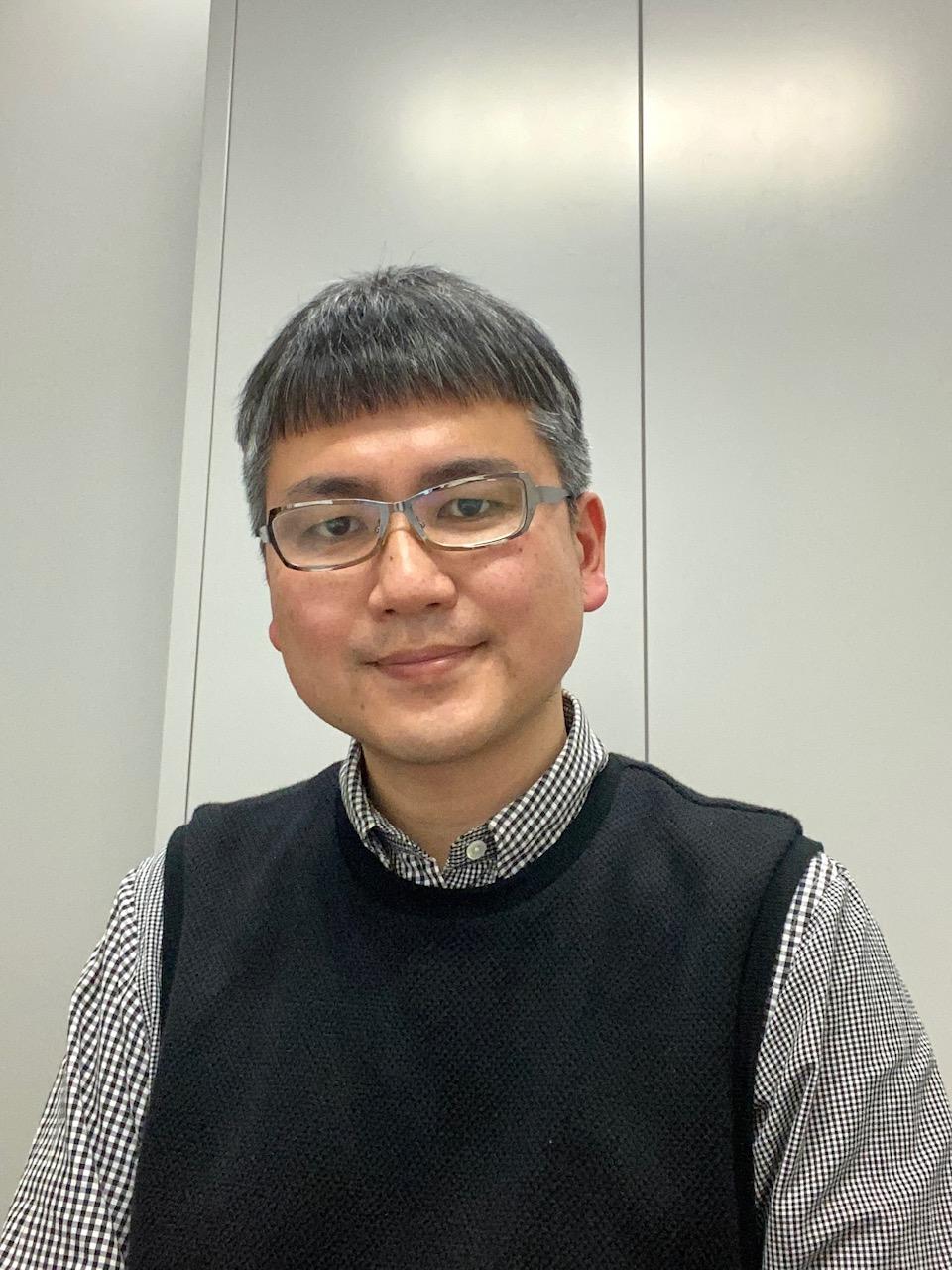 教授: 山本 洋介